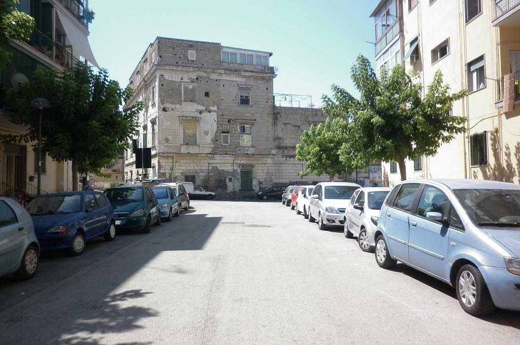 Portici (NA) - 2 locali con Cantinola