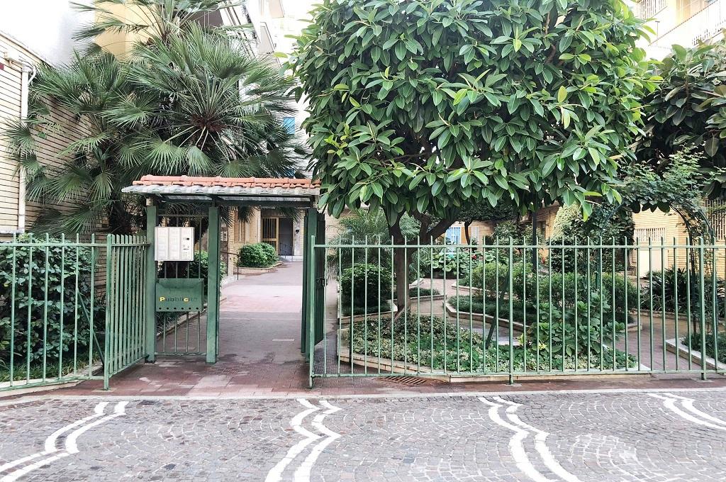 Portici (NA) 3 locali con terrazzo in parco